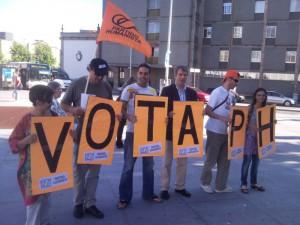 """Militantes com mensagem """"Vota PH"""""""